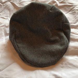 Men's black and gray snapbrim cap